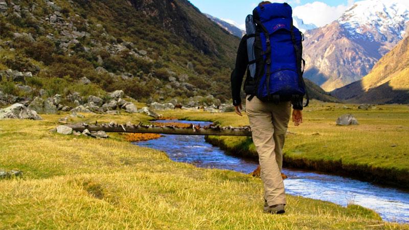 allenamento con le scarpe da trekking